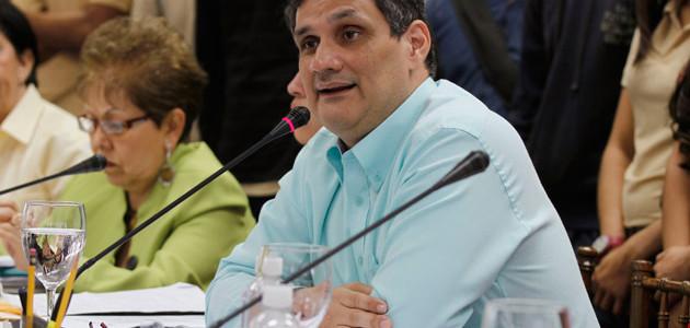 Ministro Manuel Fernández propone a las universidades incorporarse a los planes de desarrollo productivo