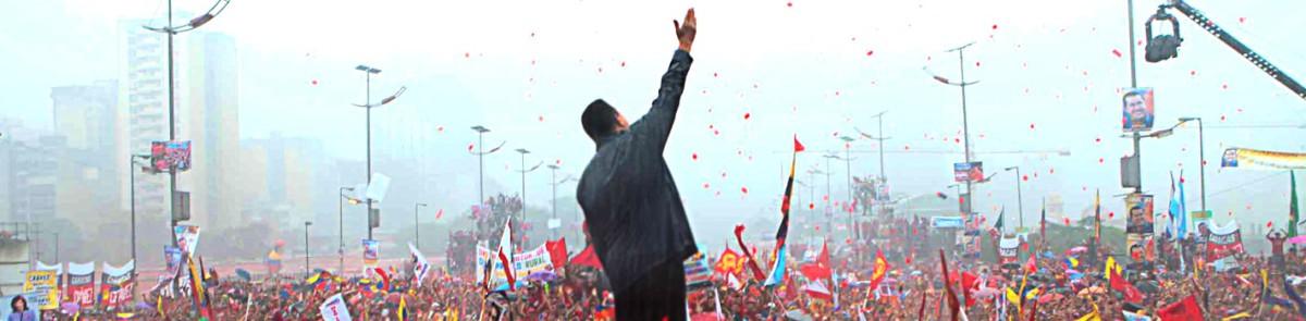 cierre-de-campaña-hugo-chavez-2012-lloviendo-min