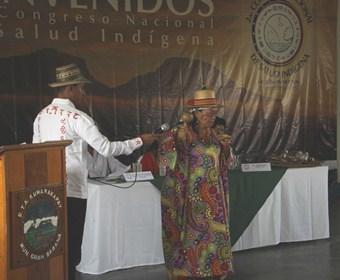 Pueblos indígenas debaten estrategias para la integración de la medicina tradicional y ancestral