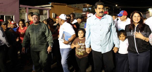 Presidente Maduro insta a consolidar organización comunal como epicentro del socialismo