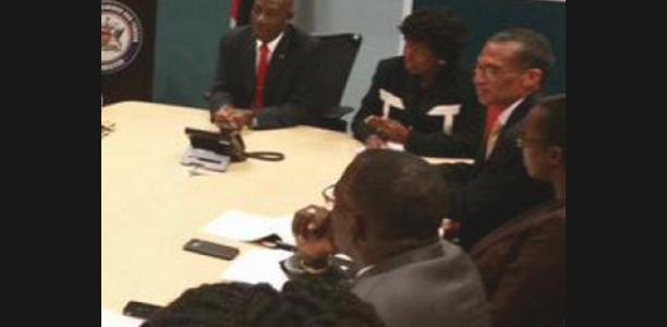 Canciller de Trinidad y Tobago llega a Venezuela para afianzar relaciones