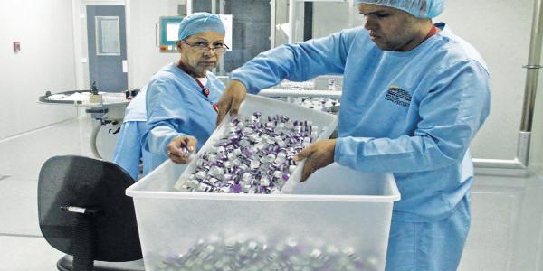 Empresa social elabora 14 medicamentos esenciales