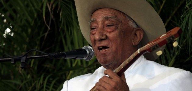 Reconocimiento al maestro Anselmo López invita a emular su vida, ejemplo y trabajo