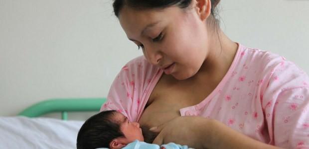 Amamantar incrementa inteligencia y refuerza inmunidad de bebés