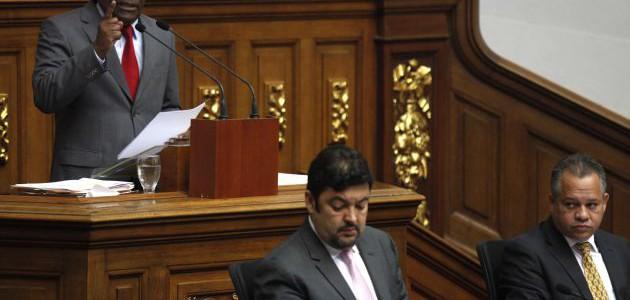 Ocho decretos promulgó el Ejecutivo para defender al pueblo ante la emergencia económica