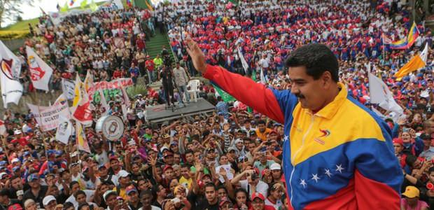 A 3 años de su mandato: Me he puesto al frente de la Revolución con mi corazón dedicado a cumplir con Chávez