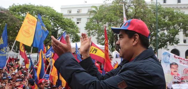 Trabajadores se comprometen a consolidar la revolución, defender la paz y los derechos del pueblo