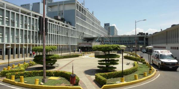 Hospital Universitario de Maracaibo donó medicamentos a ambulatorios