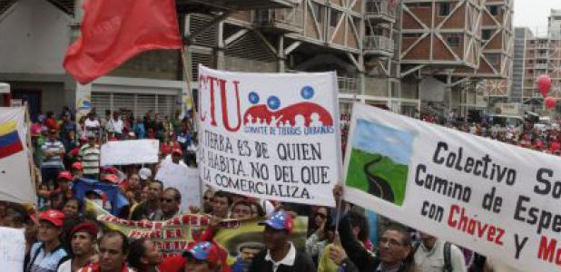 Pueblo se moviliza para celebrar victoria sobre Ley de Estafa a la Vivienda