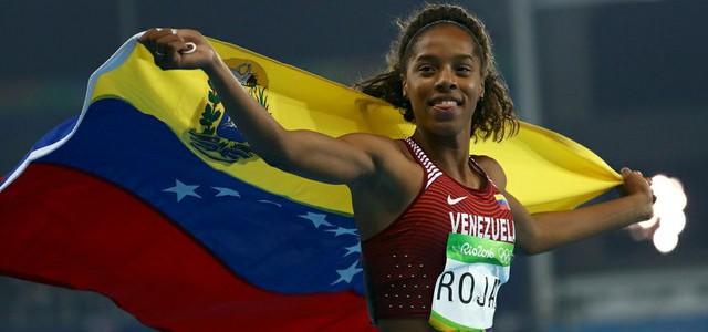 Presidente Maduro felicitó a Yulimar Rojas por medalla de plata en Río 2016