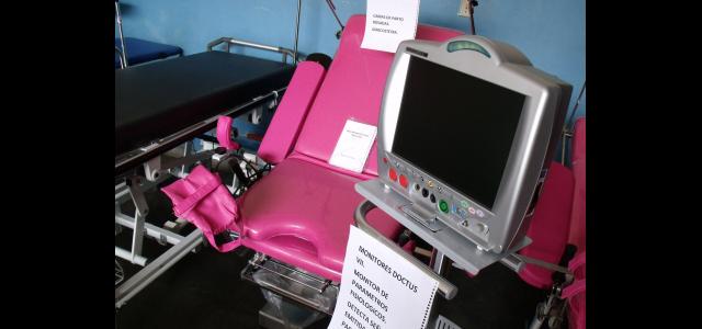 223 equipos médicos y tecnológicos arriban al Hospital Universitario en Mérida