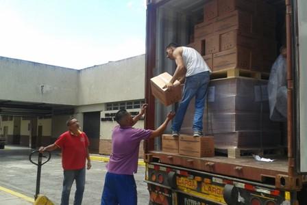 Dotan con container de soluciones fisiológicas al Hospital Victorino Santaella