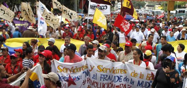 Caraqueños ratificaron ante el TSJ denuncia sobre firmas fraudulentas de la MUD