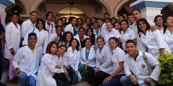 Incorporados 69 médicos integrales comunitarios al sistema de salud en Sucre