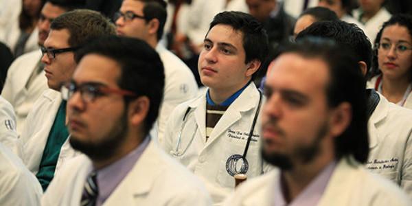 Médicos residentes se especializan para fortalecer atención de salud en Miranda