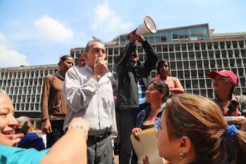 Presidente Maduro otorgará cargos fijos a más de 28 mil trabajadores de Barrio Adentro