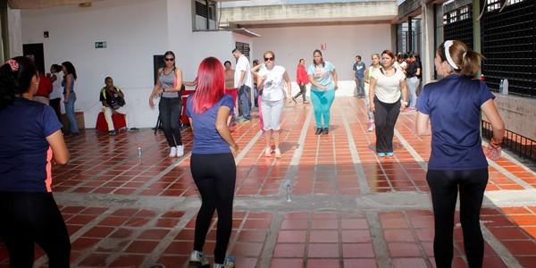 Féminas de Espromed liberaron el estrés con bailoterapia