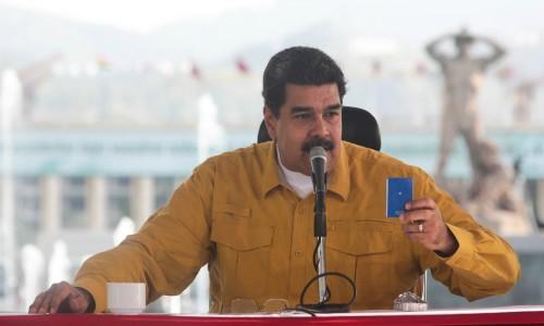 Maduro: Llegó el momento de nutrir la Constitución pionera con la ampliación de los derechos sociales