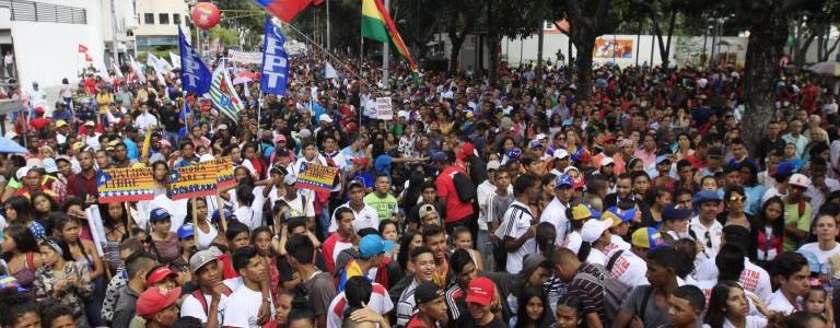 Venezolanos marcharán este martes en Caracas para celebrar centenario de la Revolución Bolchevique
