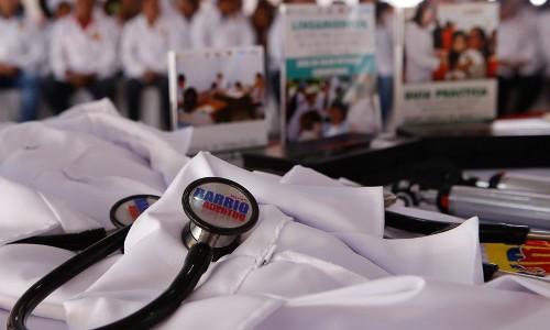 Presidente Maduro ordena potenciar política comunicacional de Barrio Adentro