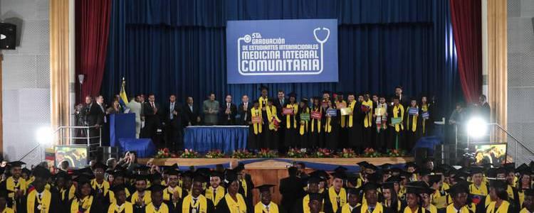 1.342 médicos integrales comunitarios ha graduado la Elam desde 2007