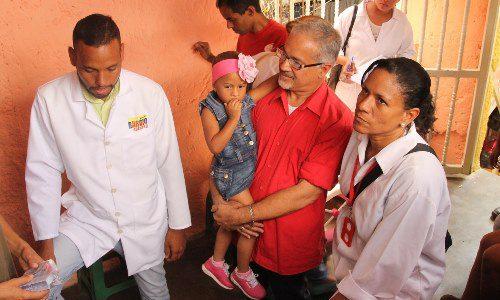 Gobierno Bolivariano se desplegó en un casa por casa en Guarenas para atender casos de salud
