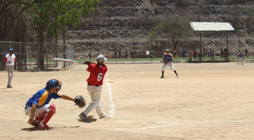 Sana competencia se impuso en amistosos de kikimbol y sofbol