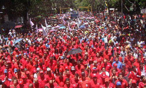 Ministerio de Salud marchó en repudio al atentado contra el Presidente Maduro