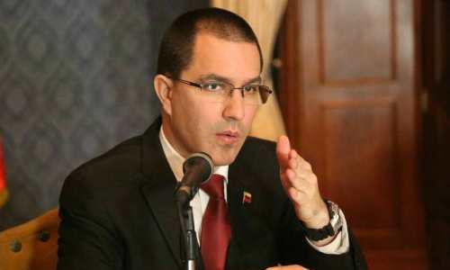 Arreaza al cuerpo diplomático en el país: Intento de magnicidio contra Maduro no es causal