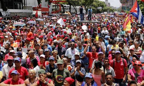 Pueblo venezolano marcha en respaldo a las medidas económicas decretadas por Maduro