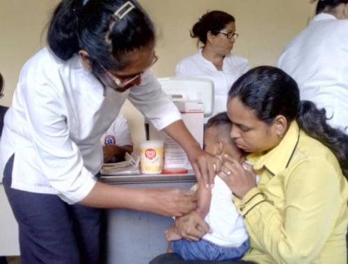 Jornada de vacunación llega a las escuelas de Nueva Esparta