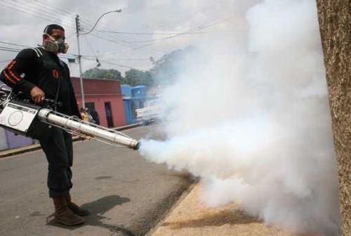 Fumigan y abatizan instituciones educativas de Yaracuy