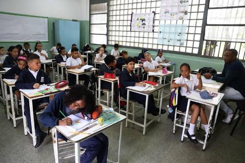 Año escolar comenzó con jornadas de vacunación, activación del PAE y trabajo voluntario