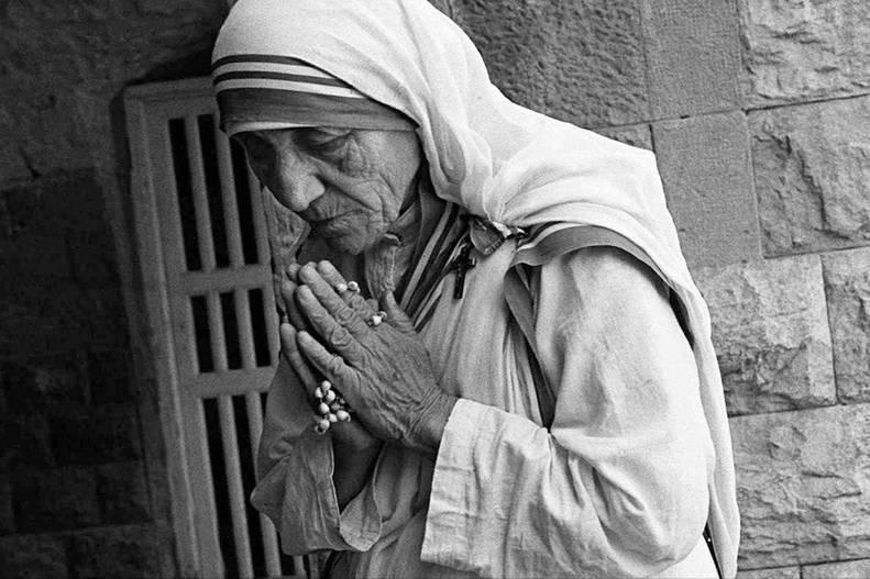 Se conmemoran 21 años del fallecimiento de la Madre Teresa de Calcuta