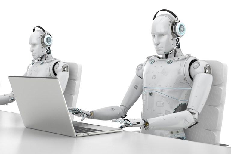 Robots sustituyen a humanos en ensambladoras y farmacéuticas