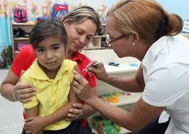 Plan Nacional de Vacunación se despliega en escuela de Monagas